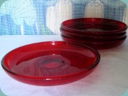 Gullaskruf ruby red                           glass salad plates